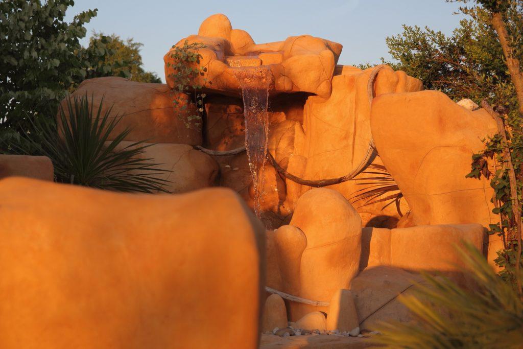 Cascade Tropicale réalisé en rochers artificiels